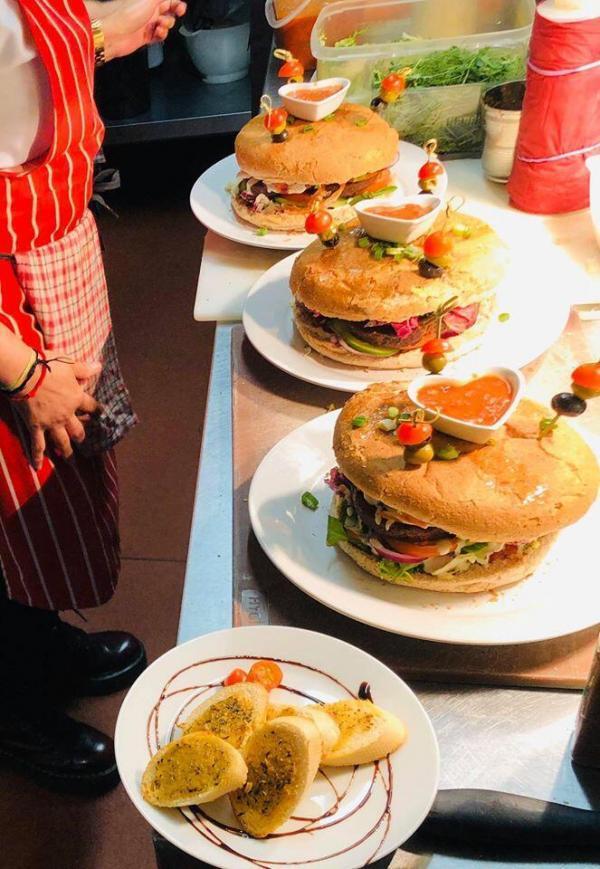 karmana greedy burger